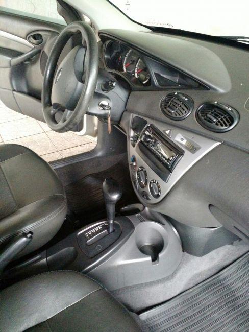 Ford Focus Sedan GLX 2.0 16V Duratec (Aut) - Foto #6