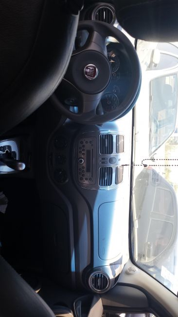Fiat Grand Siena Essence Dualogic 1.6 16V (Flex) - Foto #8