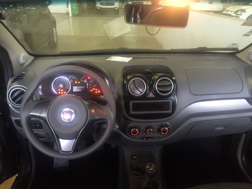 Fiat Palio Attractive 1.4 (Flex) - Foto #7