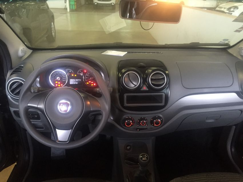 Fiat Palio Attractive 1.4 (Flex) - Foto #10