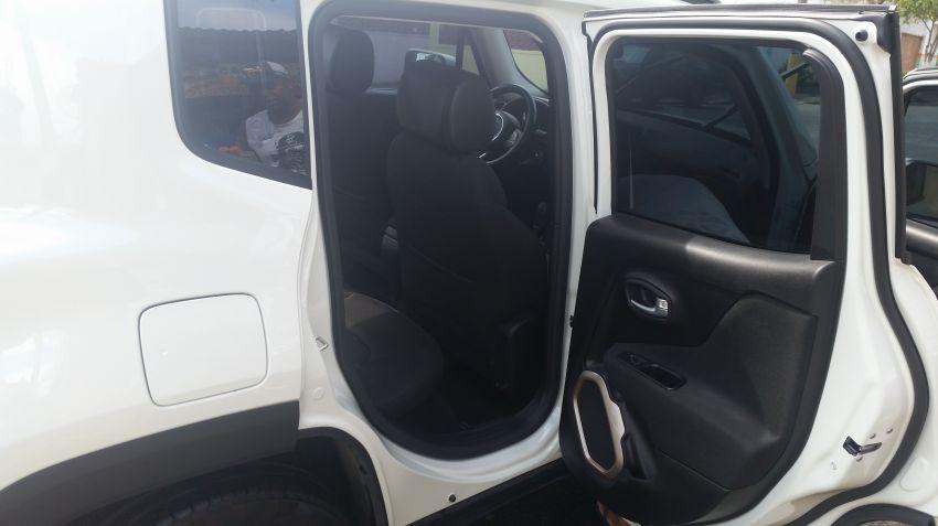 Jeep Renegade 1.8 (Flex) (Aut) - Foto #10