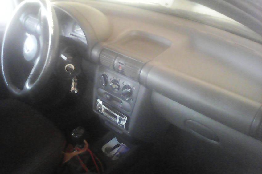 Chevrolet Corsa Hatch Super 1.0 MPFi - Foto #4