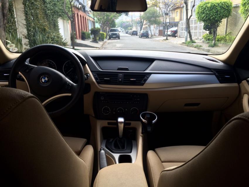 BMW X1 sDrive18i 2.0 16V - Foto #6