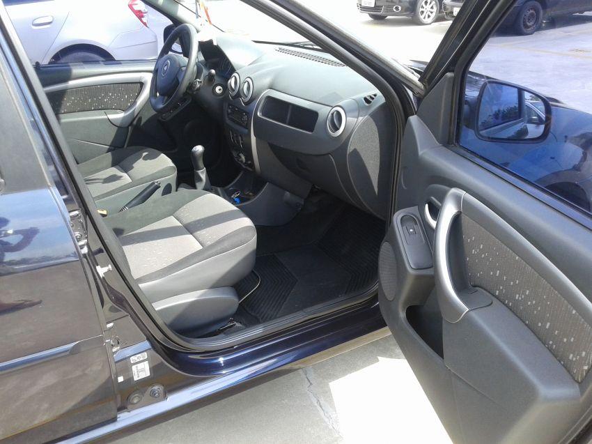 Renault Logan Privilège 1.6 8V Hi-Torque - Foto #2