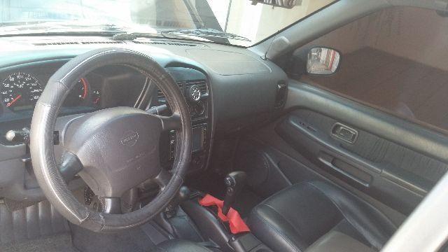Nissan Pathfinder SE 4x4 3.3 12V - Foto #4