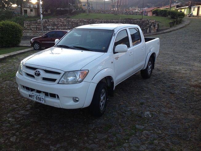 Toyota Hilux 4x4 2.4 (cab. dupla) - Foto #2