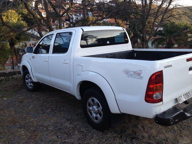 Toyota Hilux 4x4 2.4 (cab. dupla) - Foto #3