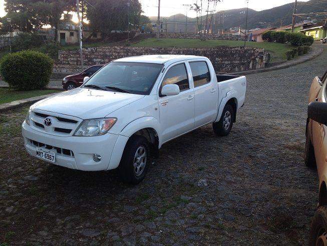 Toyota Hilux 4x4 2.4 (cab. dupla) - Foto #4