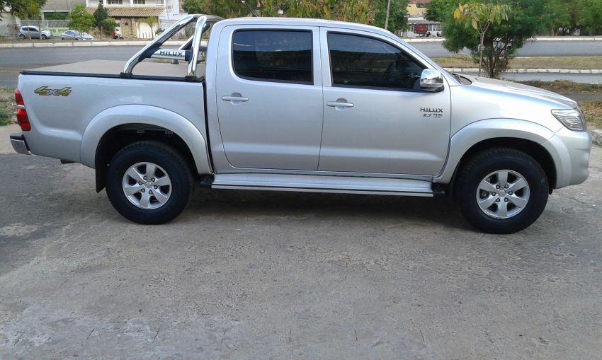 Toyota Hilux 2.7 SRV CD 4x4 (Flex) (Aut) - Foto #1