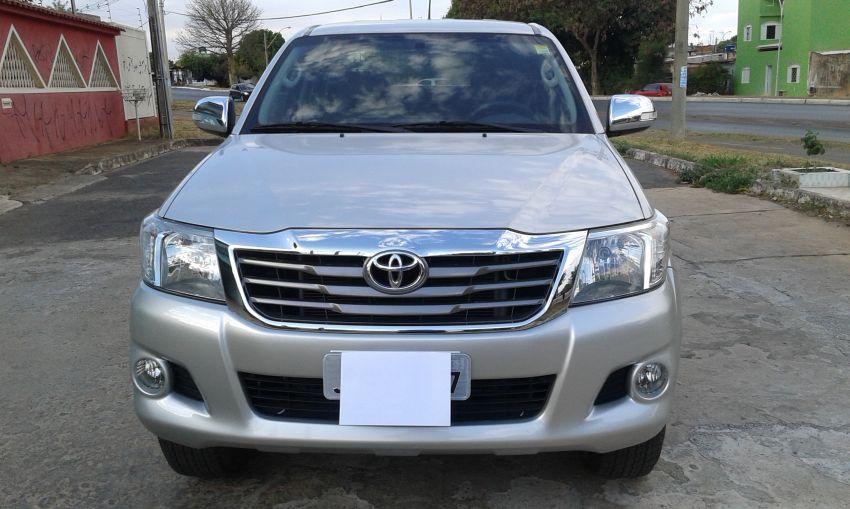 Toyota Hilux 2.7 SRV CD 4x4 (Flex) (Aut) - Foto #2