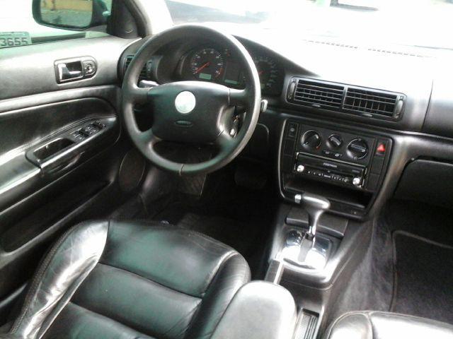 Volkswagen Passat 1.8 (Aut) - Foto #5