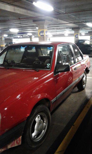 Chevrolet Monza Sedan SLE 1.8 - Foto #1