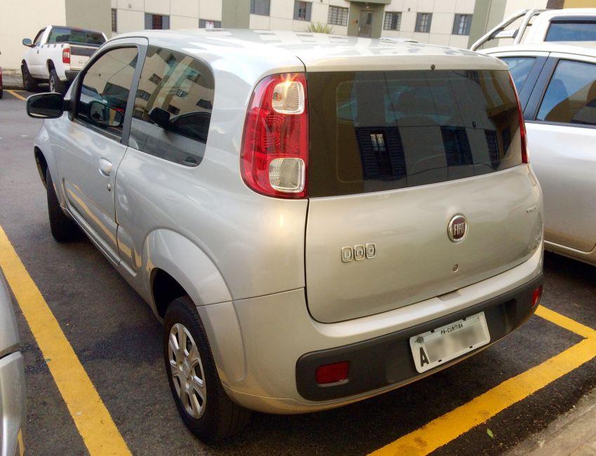 Fiat Uno Vivace 1.0 (Flex) 2p - Foto #4