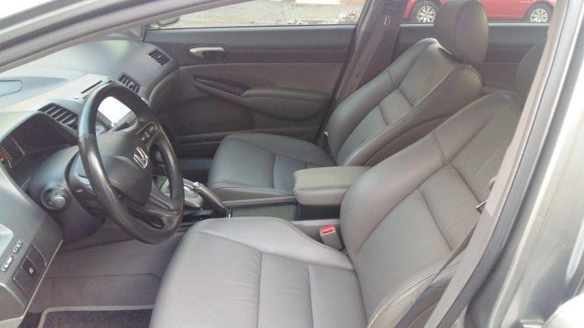 Honda Civic LXS 1.8 i-VTEC (Flex) (Aut) - Foto #7
