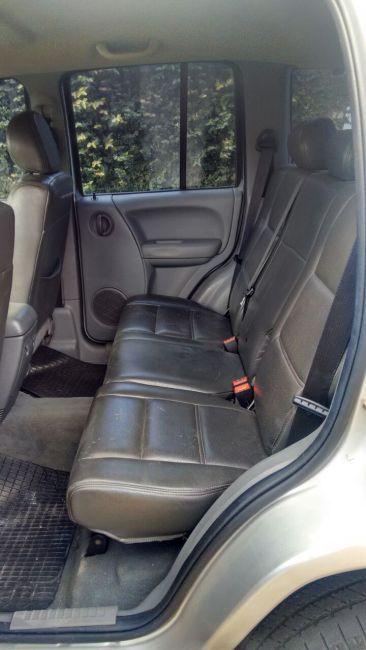 Jeep Cherokee Sport 3.7 V6 4WD - Foto #4