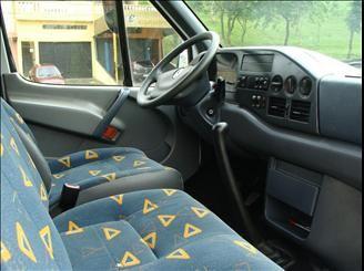 Mercedes-Benz Sprinter 312 2.5 Van Luxo (16 lug.) - Foto #4
