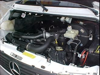 Mercedes-Benz Sprinter 312 2.5 Van Luxo (16 lug.) - Foto #5