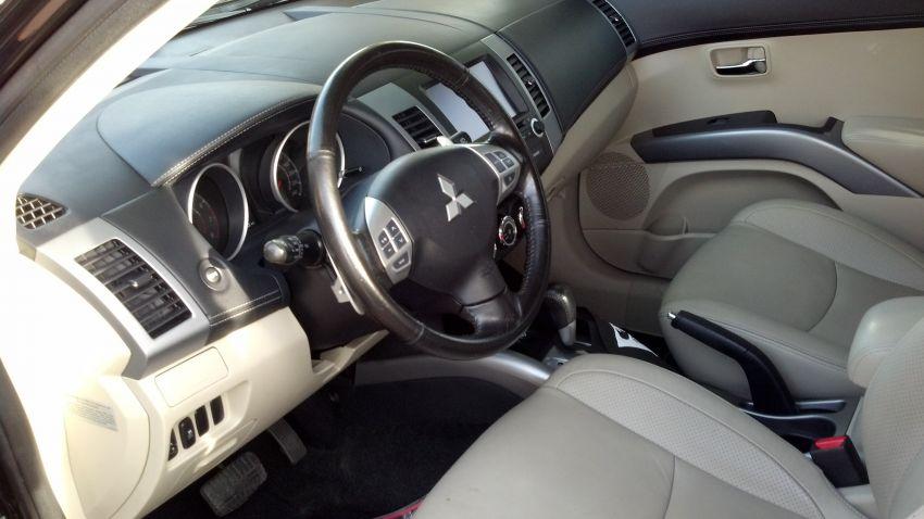 Mitsubishi Outlander 3.0 V6 GT (Aut) - Foto #1