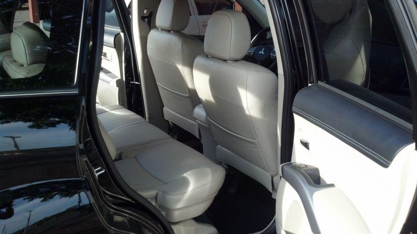 Mitsubishi Outlander 3.0 V6 GT (Aut) - Foto #2