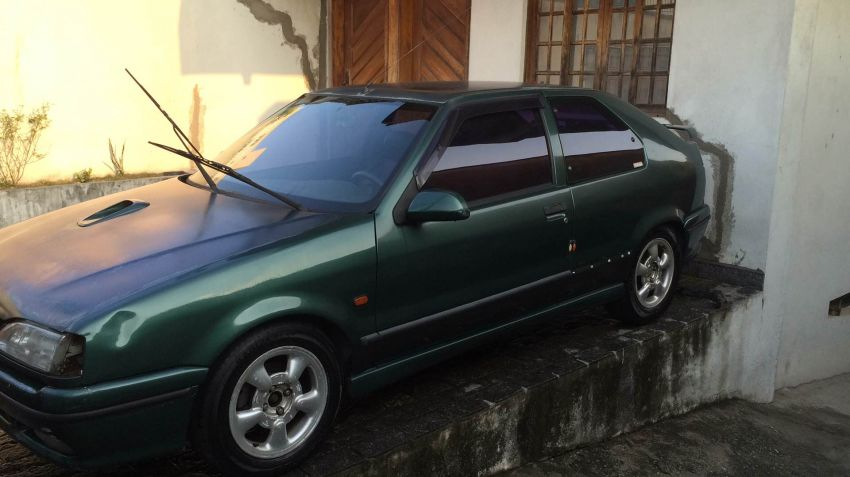 Renault 19 Hatch. RT 1.8 16V