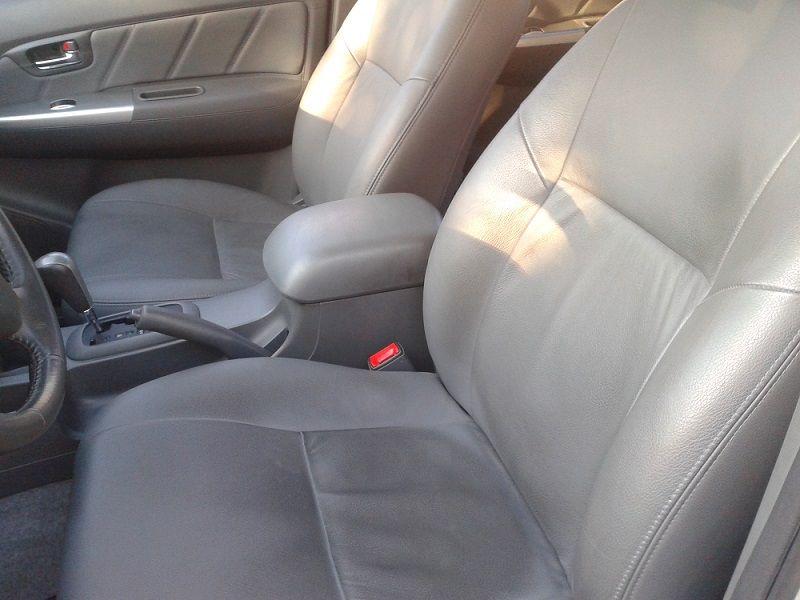 Toyota Hilux 3.0 TDI 4x4 CD SRV (Aut) - Foto #6