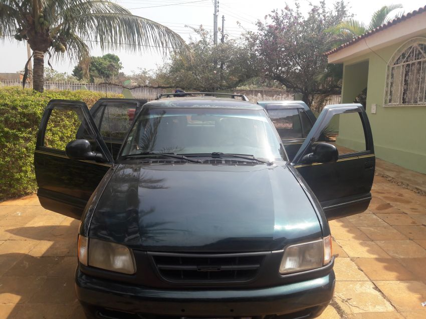 Chevrolet Blazer DLX Executive 4x2 4.3 SFi V6 - Foto #5
