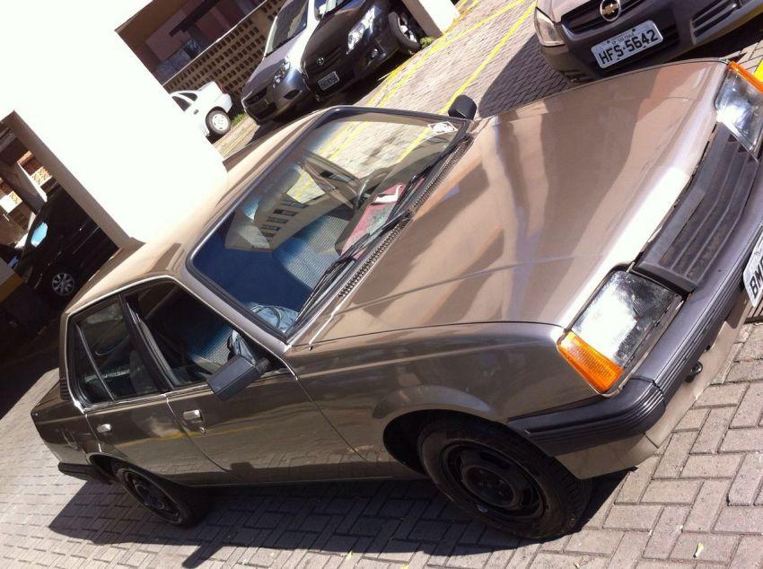 Chevrolet Monza Sedan 1.8 - Foto #2