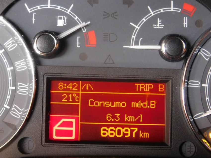 Fiat Linea 1.8 16V Essence - Foto #3