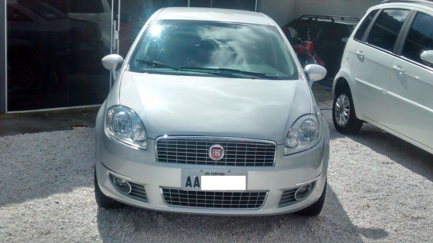 Fiat Linea Absolute Dualogic 1.8 16V(Flex) - Foto #2