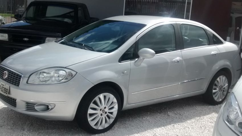 Fiat Linea Absolute Dualogic 1.8 16V(Flex) - Foto #3
