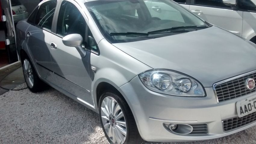 Fiat Linea Absolute Dualogic 1.8 16V(Flex) - Foto #5