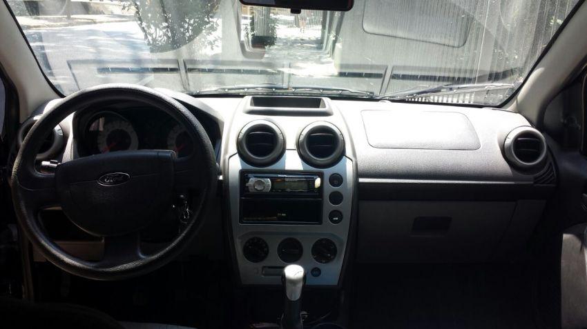 Ford Fiesta Hatch Class 1.6 (Flex) - Foto #2