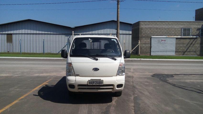 KIA Bongo 2.5 DLX 4X2 c simples RD com carrocaria - Foto #2