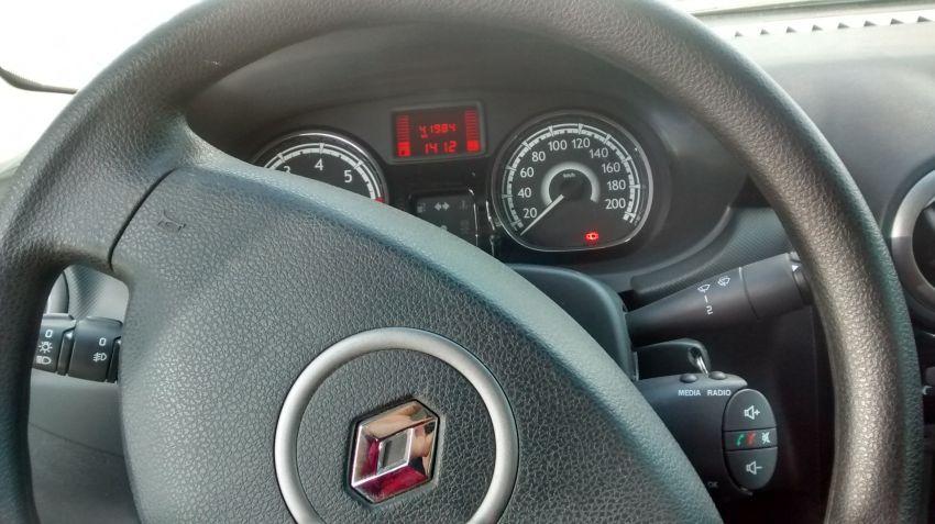 Renault Sandero Authentique 1.6 8V Hi-Torque (flex) - Foto #6
