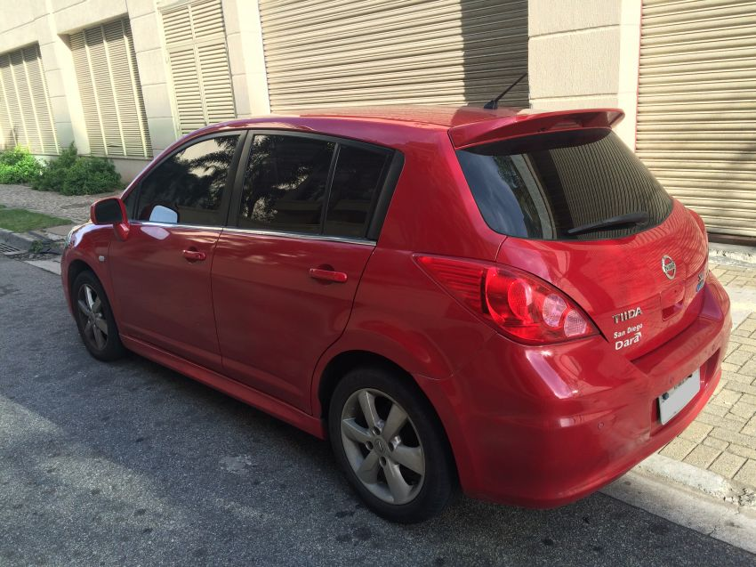 Nissan Tiida SL 1.8 (flex) (aut) - Foto #2