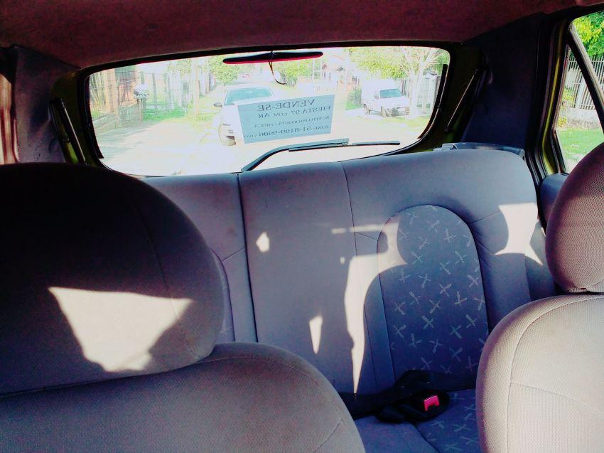 Ford Fiesta Hatch 1.0 MPi 4p - Foto #8