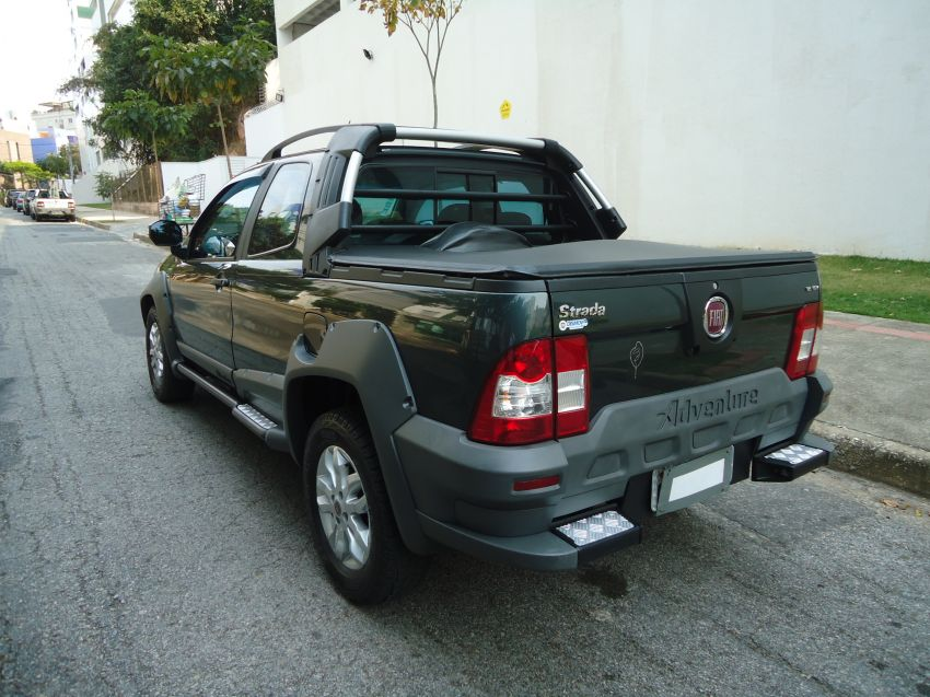 Fiat Strada Adventure 1.8 16V (Flex) (Cab Dupla) - Foto #6