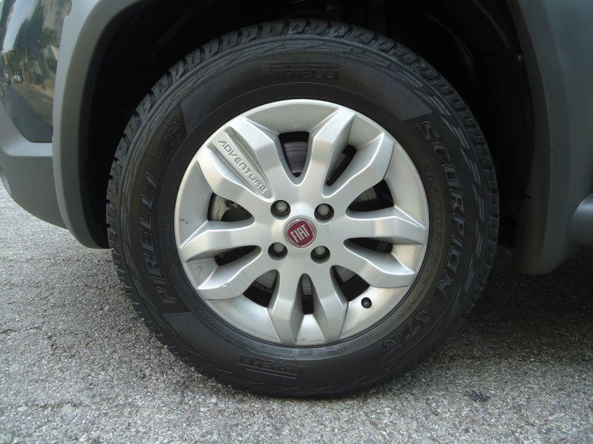 Fiat Strada Adventure 1.8 16V (Flex) (Cab Dupla) - Foto #8