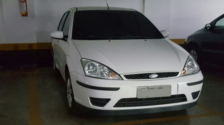 Ford Focus Sedan GLX 1.6 8V (Flex) - Foto #4