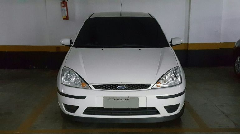 Ford Focus Sedan GLX 1.6 8V (Flex) - Foto #1