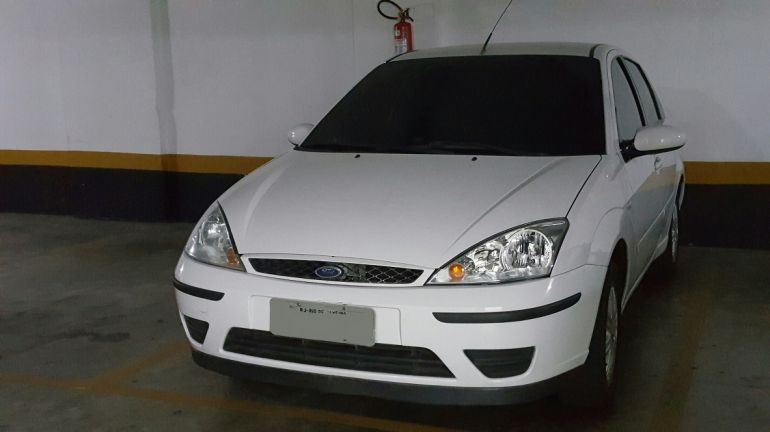 Ford Focus Sedan GLX 1.6 8V (Flex) - Foto #10
