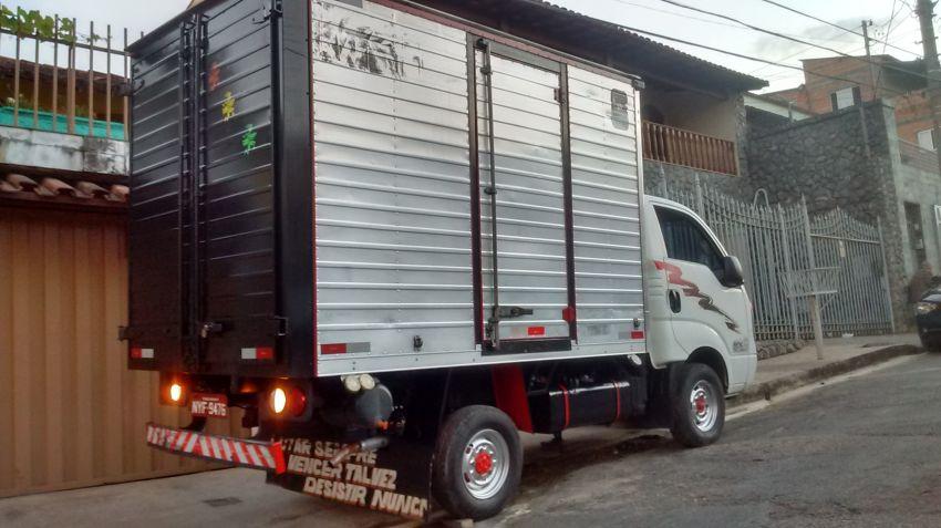 KIA Bongo 2.5 DLX 4X2 c simples RD com carrocaria TURBO - Foto #3