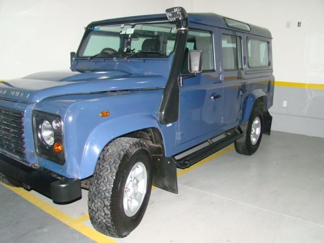 Land Rover Defender 110 4x4 2.4 S - Foto #2