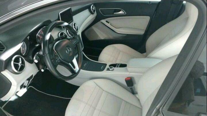 Mercedes-Benz CLA 200 1st Edition DCT - Foto #4