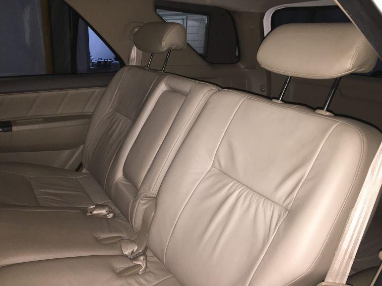 Toyota Hilux SW4 3.0 TDI 4x4 SRV 5L Auto - Foto #5