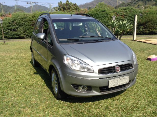 Fiat Idea Attractive 1.4 (Flex) - Foto #8