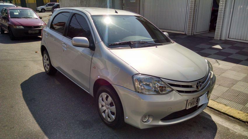 Toyota Etios XS 1.3 (Flex) - Foto #1