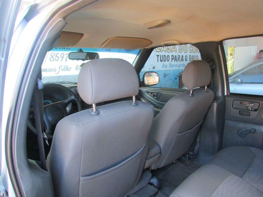Chevrolet S10 2.4 Advantage (Cab Dupla) - Foto #5