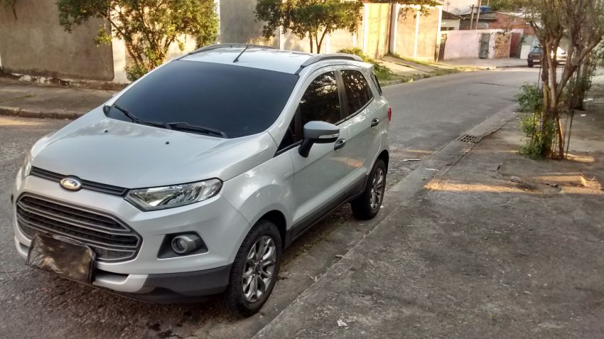 Ford Ecosport Freestyle 1.6 16V (Flex) - Foto #4