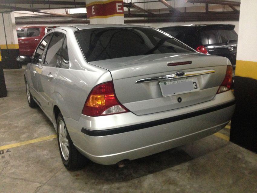 Ford Focus Sedan Ghia 2.0 16V Duratec (Aut) - Foto #7